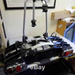 Genuine Landrover/Thule 2 bike cycle carrier with lights VPLVR0066 ex display