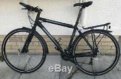 Giant Escape R1 Hybrid Bike 700C wheels, Marathon tyres, disk brakes, carrier