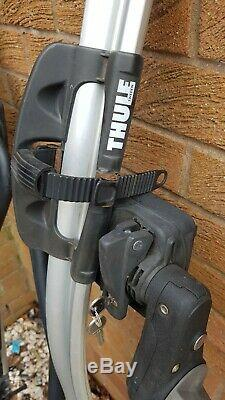 Pair of (2x) Thule ProRide 591 Roof Mounted Cycle Carriers bicycle bike rack